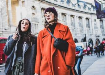 how to dress like a Londoner shopping